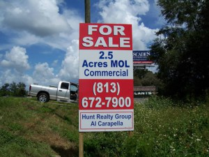 Hunt-Realty Sign